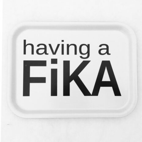 bricka-having-a-fika-vit.jpg